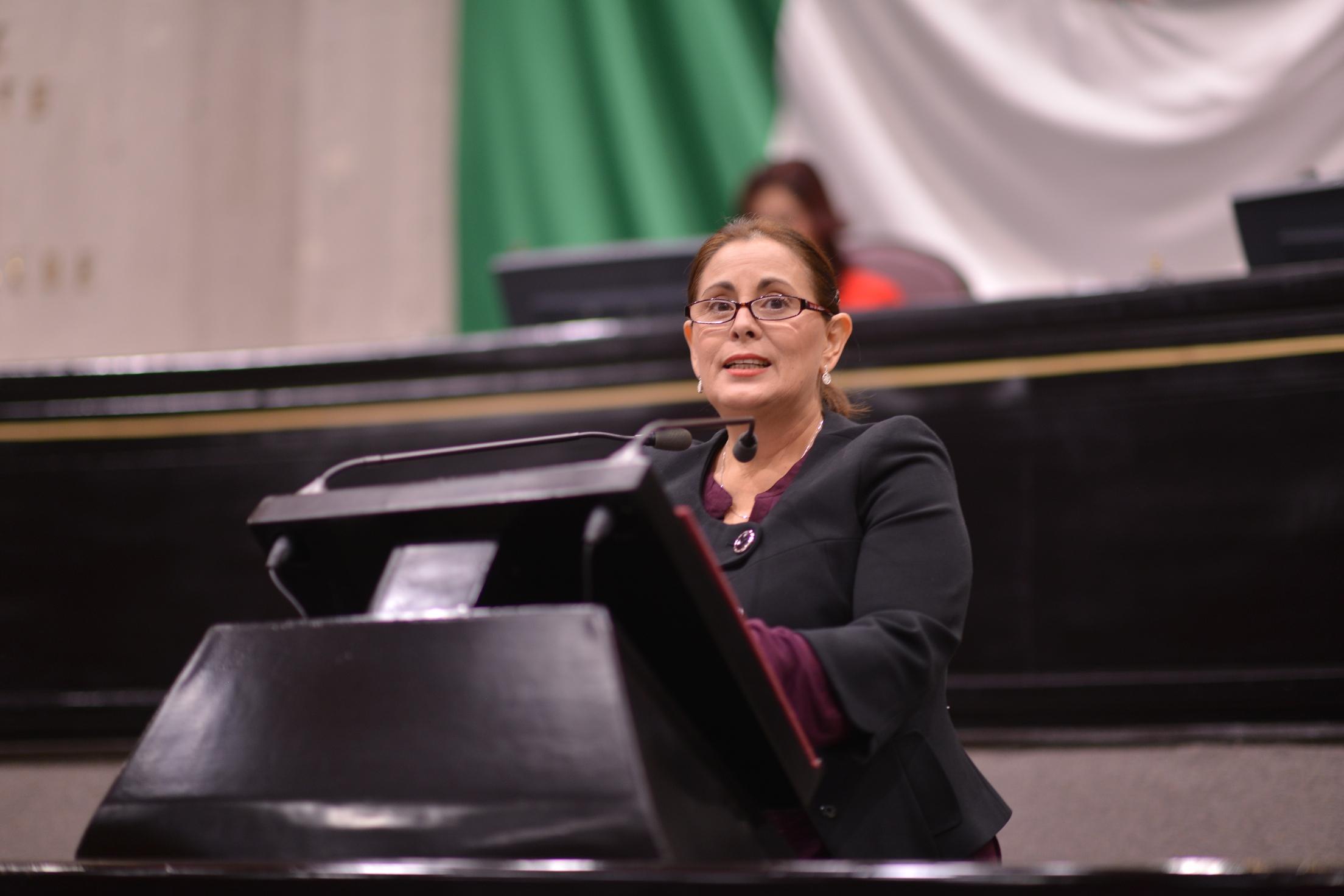Promueve González Sheridan creación de programas de protección para migrantes