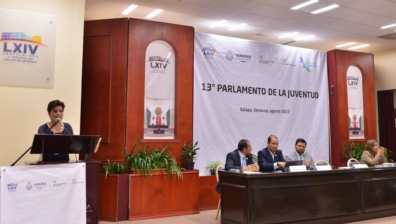 Inauguran en el Congreso el 13 Parlamento de la Juventud Veracruzana