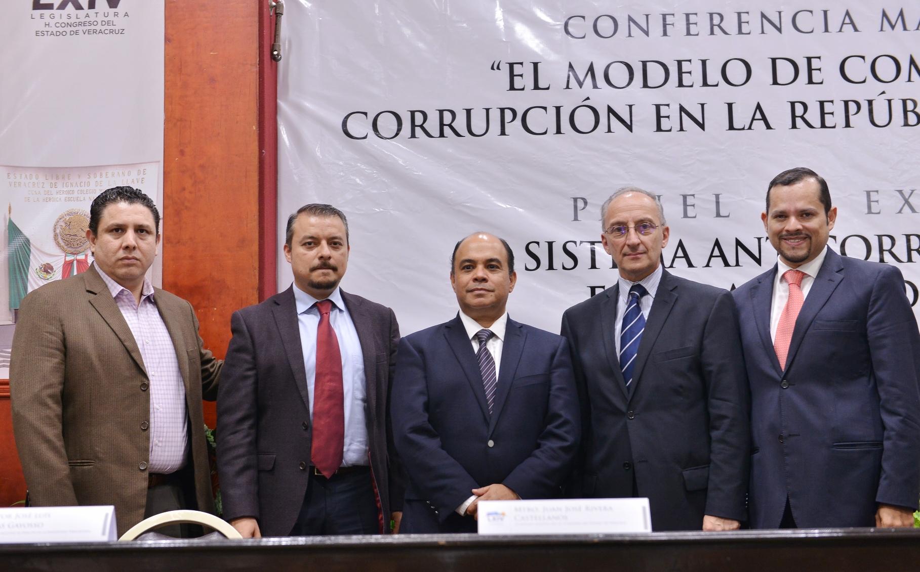 """Imparten en el Congreso conferencia """"Combate a la corrupción en Argentina"""""""