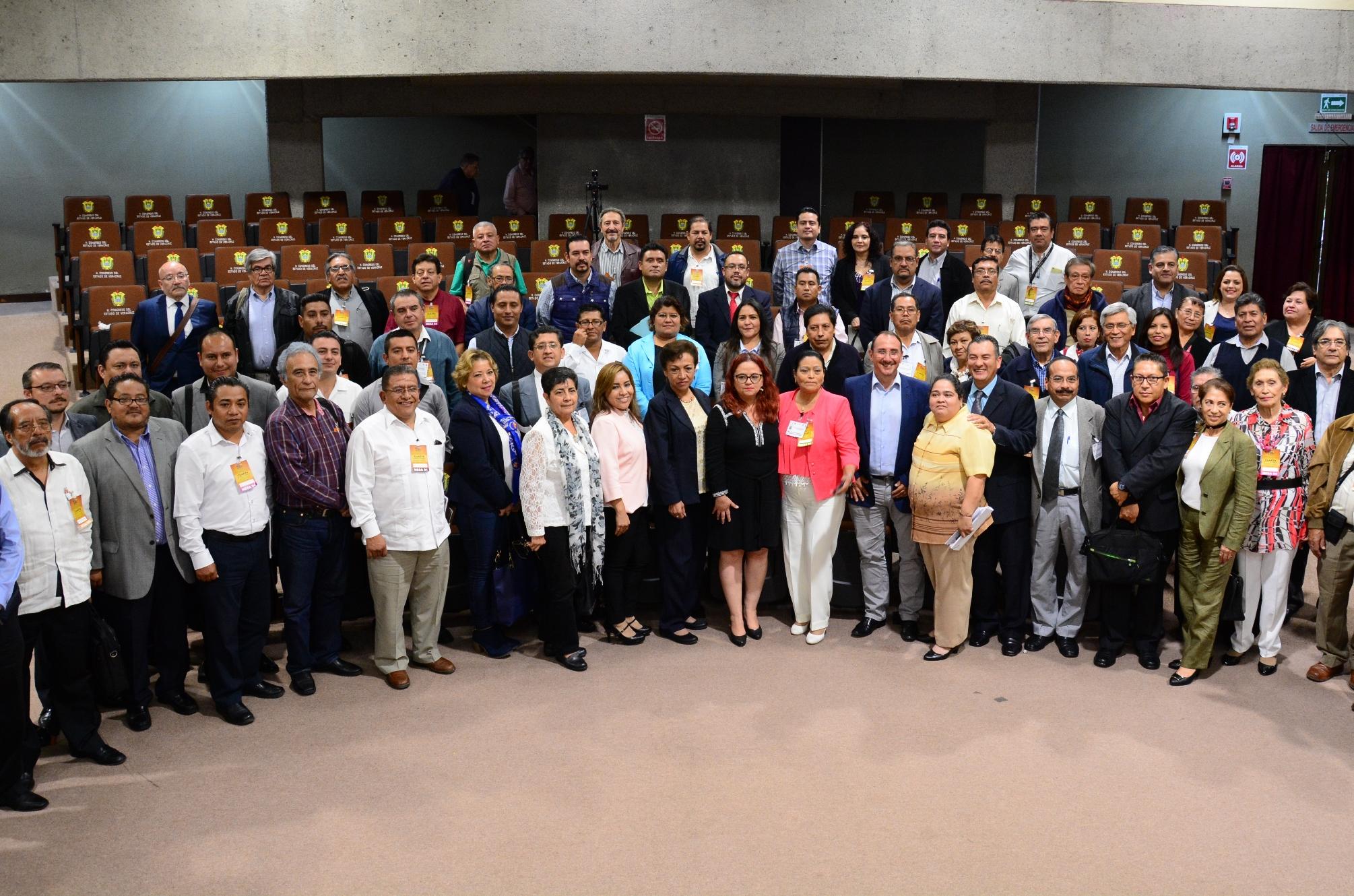 Coinciden diputados y líderes sindicales en propuestas de fortalecimiento al IPE