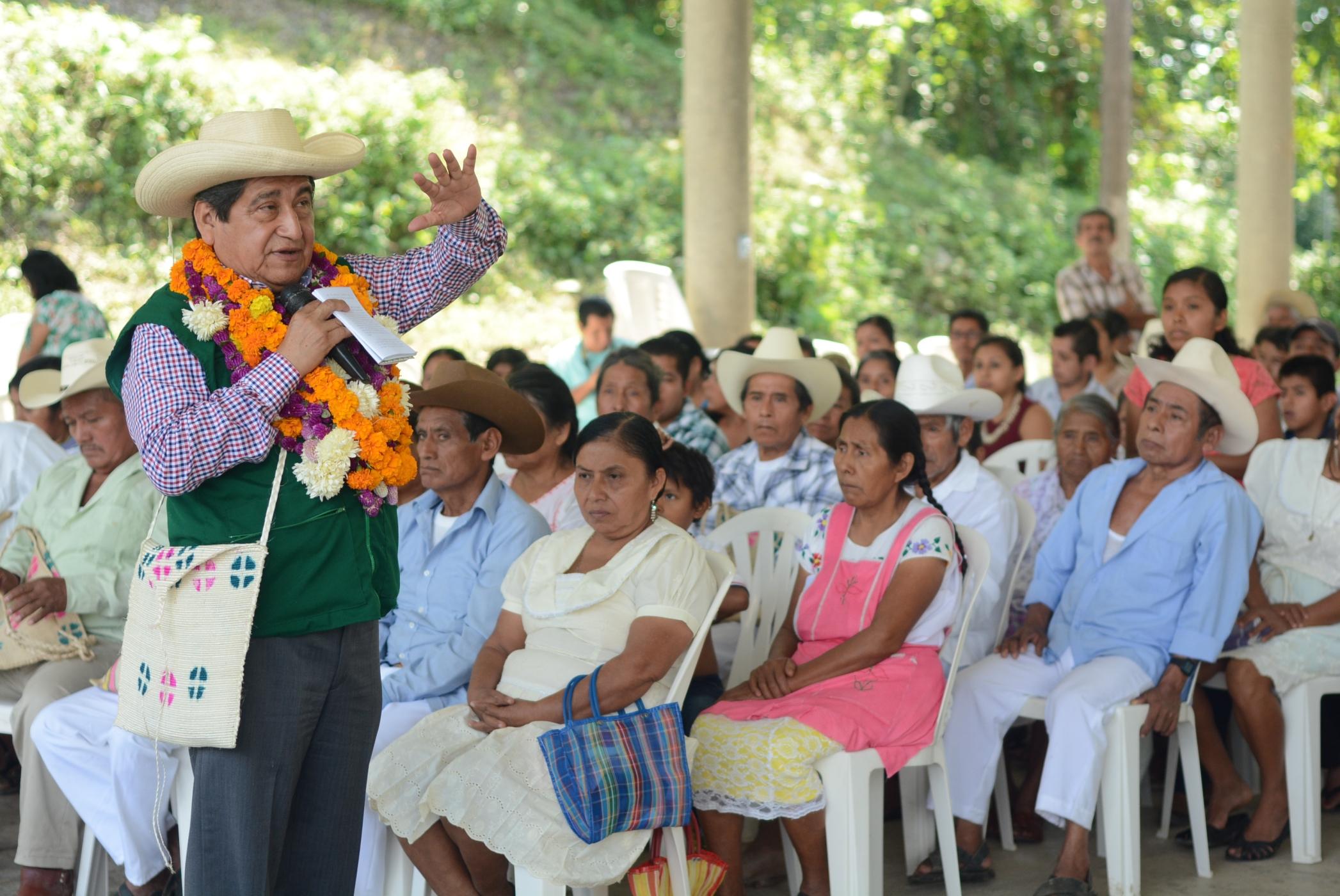 Difunde diputado en 4 municipios del norte la convocatoria para el Consejo Indígena