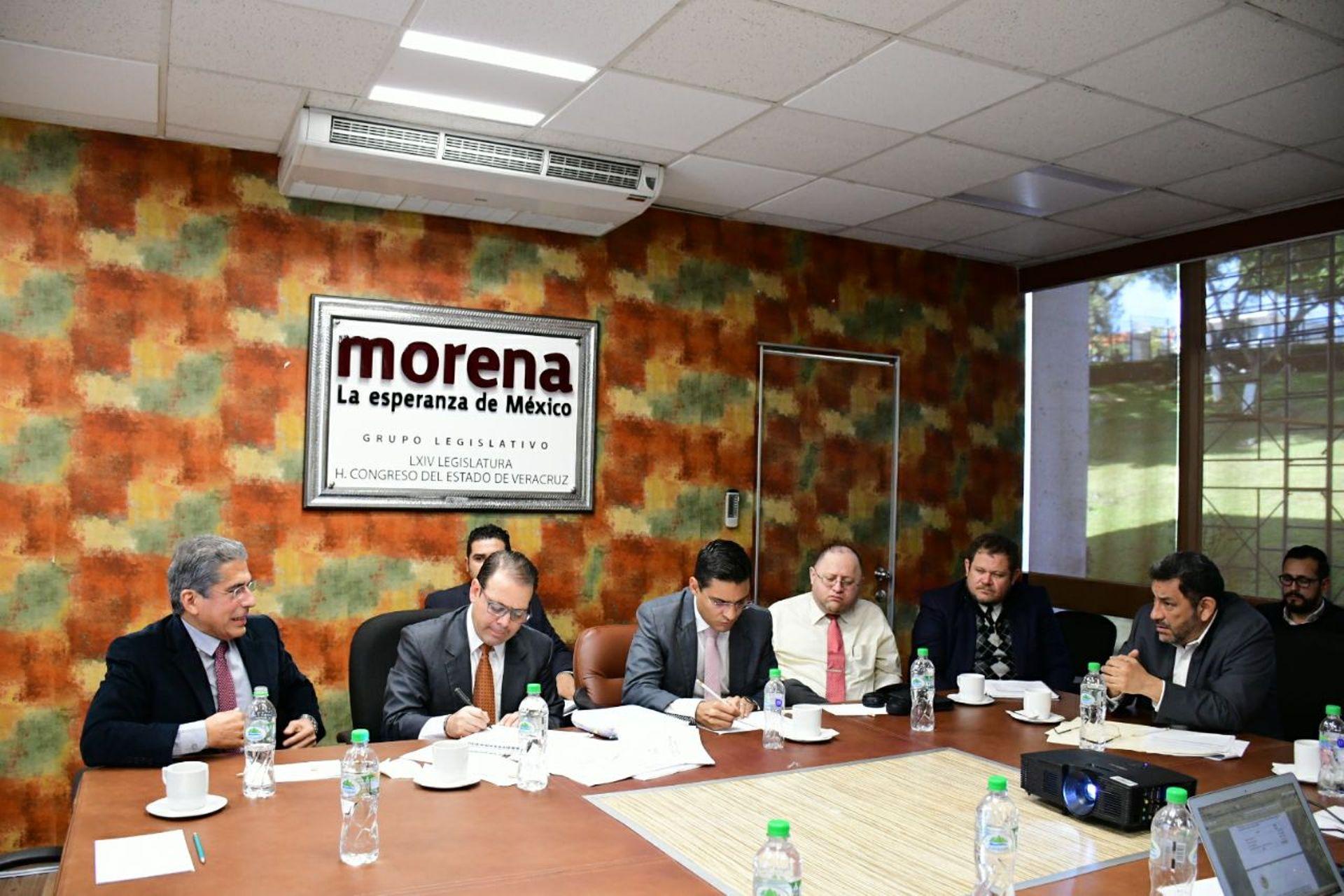 Grupo Legislativo de MORENA se reúne con secretario de Finanzas