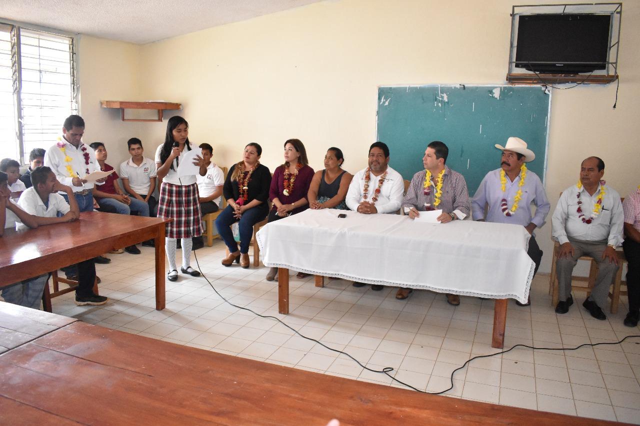 El impulso a la educación es la herramienta para el progreso: Fernando Kuri