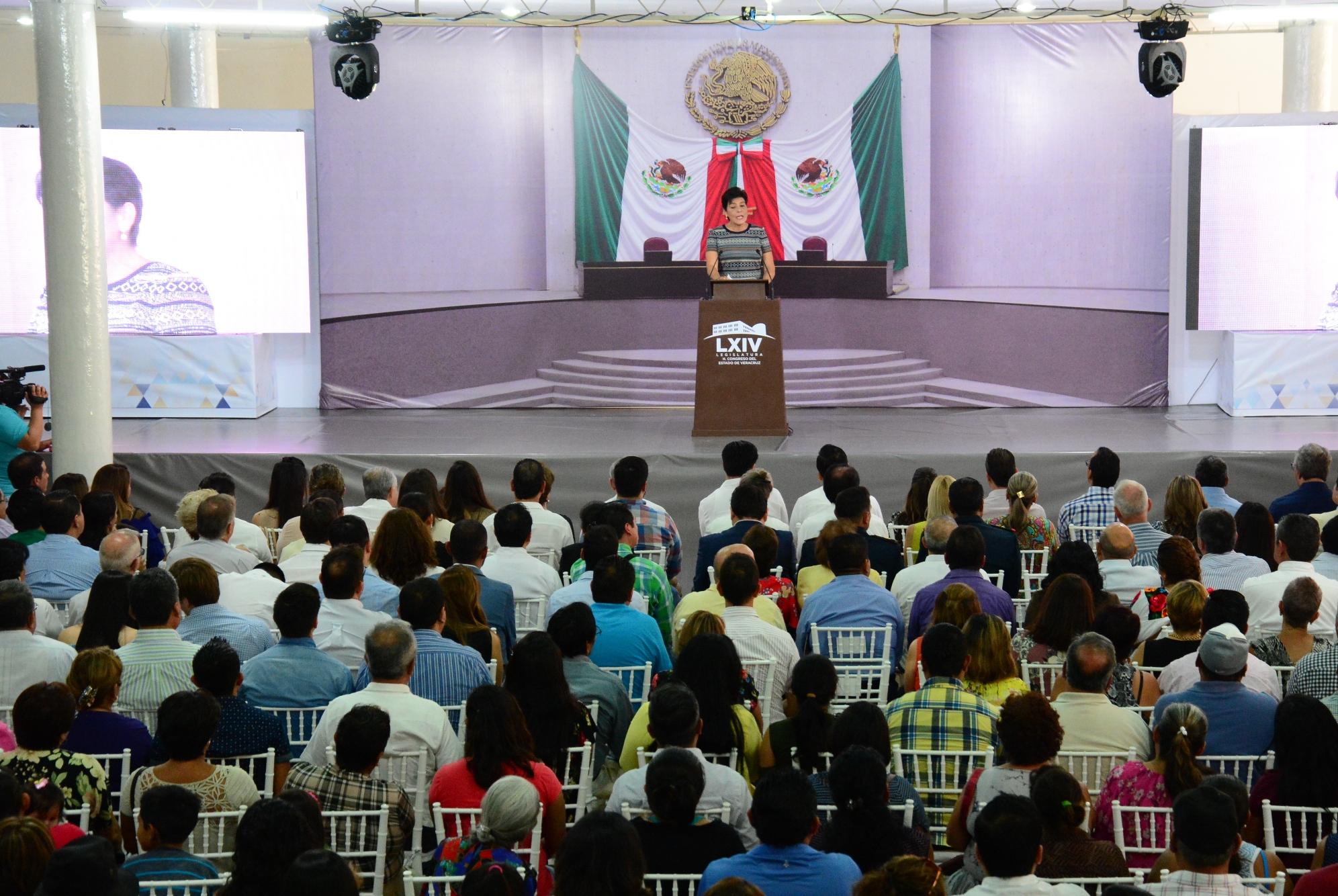 Presenta diputada María Elisa Manterola resultados de un año de labores