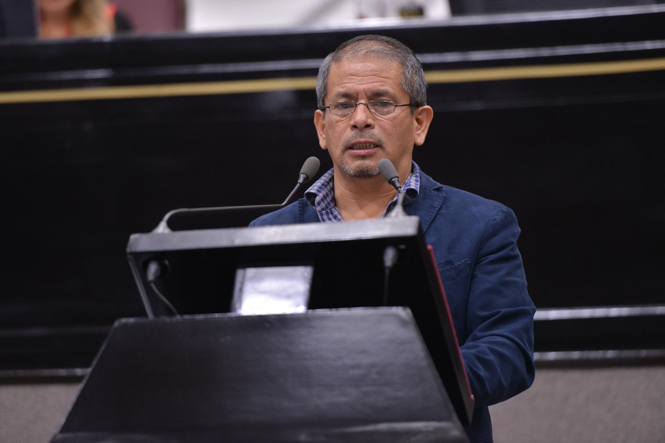 Propone diputado Hugo González regular la disposición de los bienes municipales