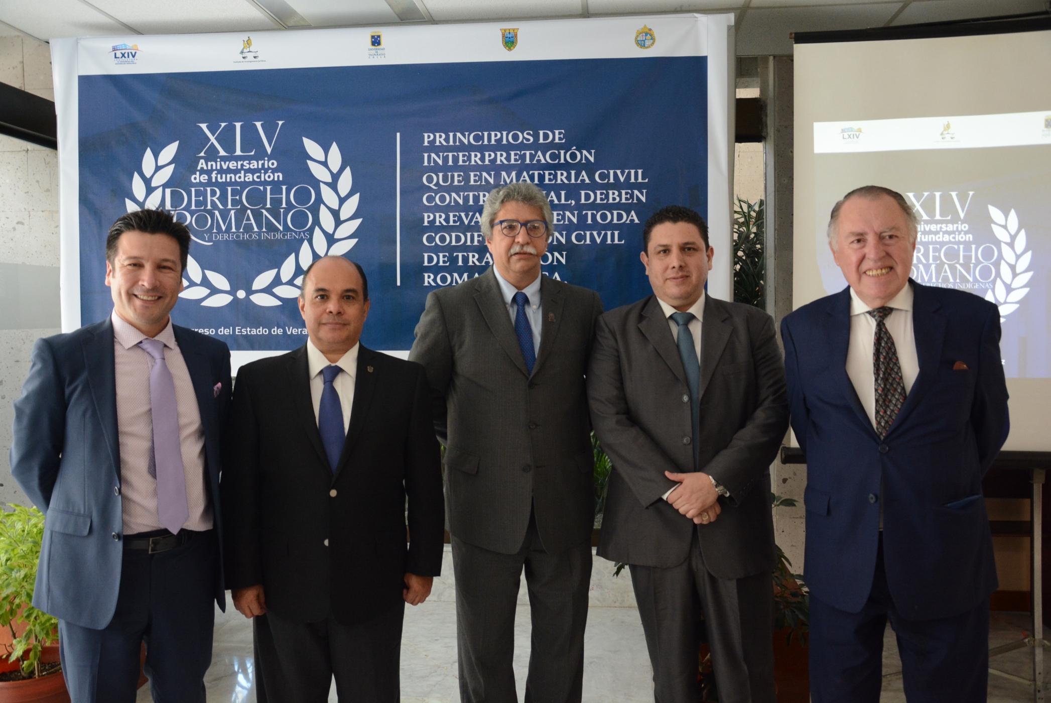 Disertan académicos chilenos en el Congreso local sobre derecho romano