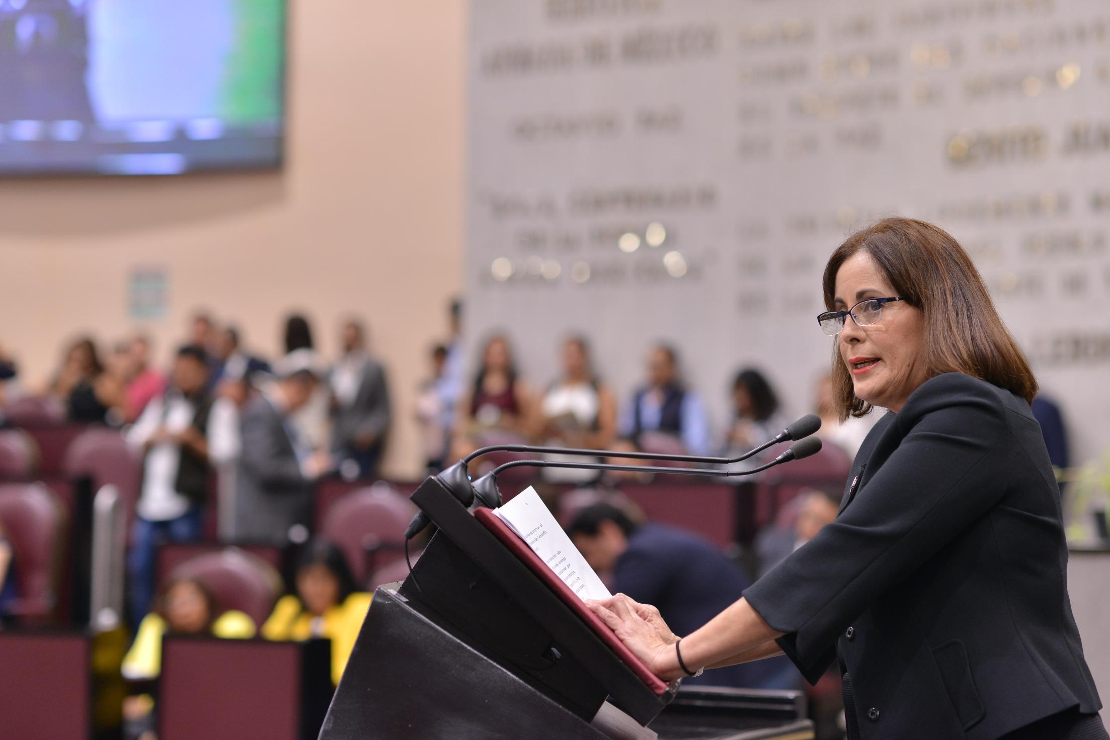Reconocimiento a migrantes desde la Constitución de Veracruz, plantea diputada