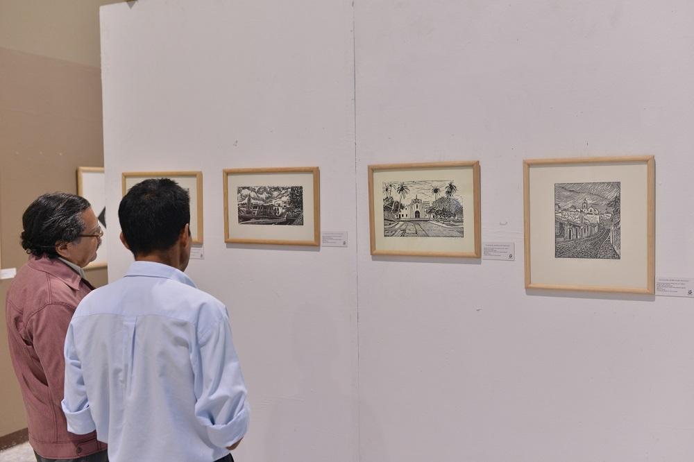 """Presenta Carlos Garibay su obra """"Gráficos de Veracruz"""""""