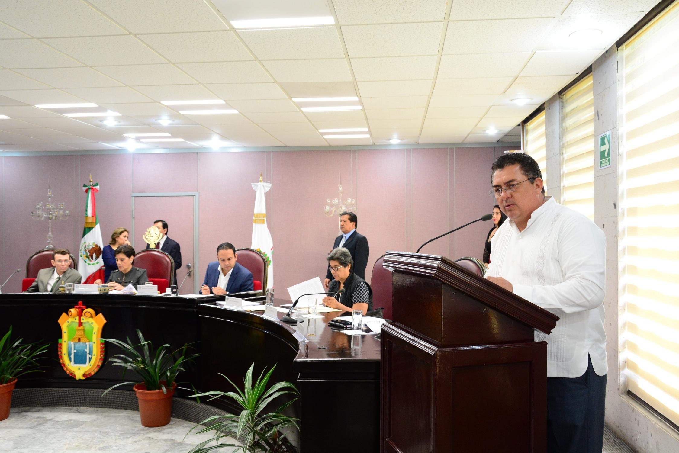 Respetar derechos de maestros de educación indígena, pide Callejas Roldán