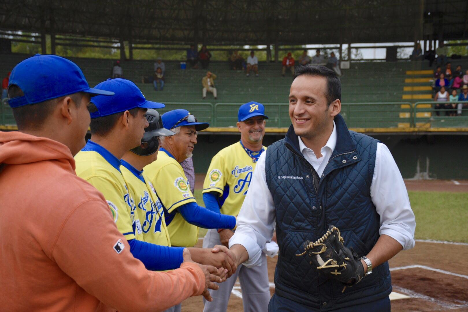 Reitera diputado Sergio Hernández compromiso con el deporte y la educación