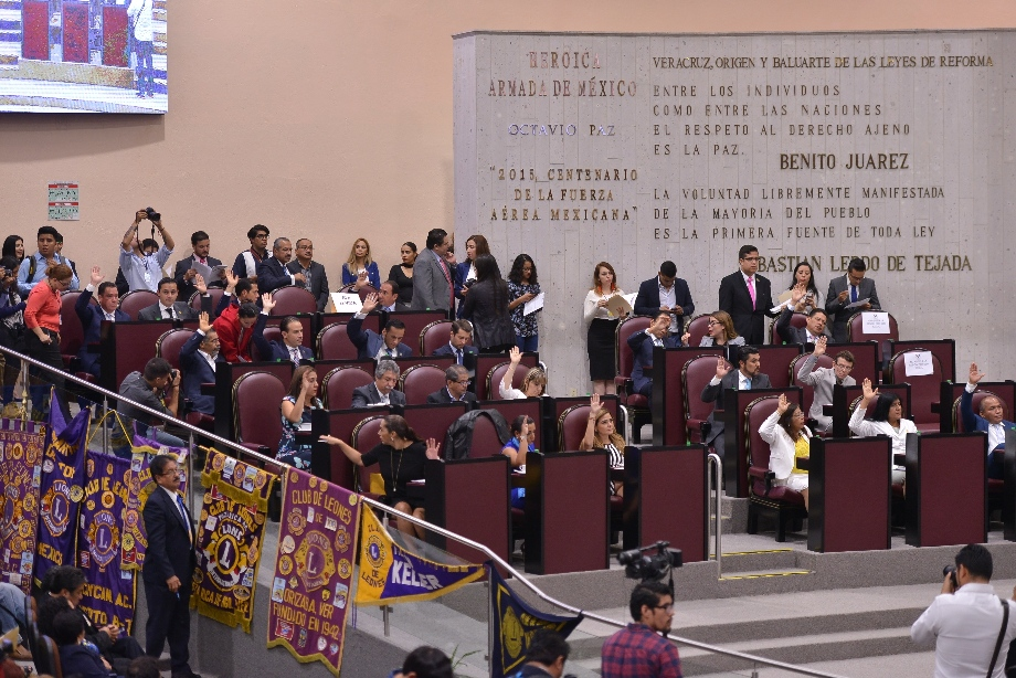 Modifica LXIV Legislatura integración de nueve comisiones permanentes