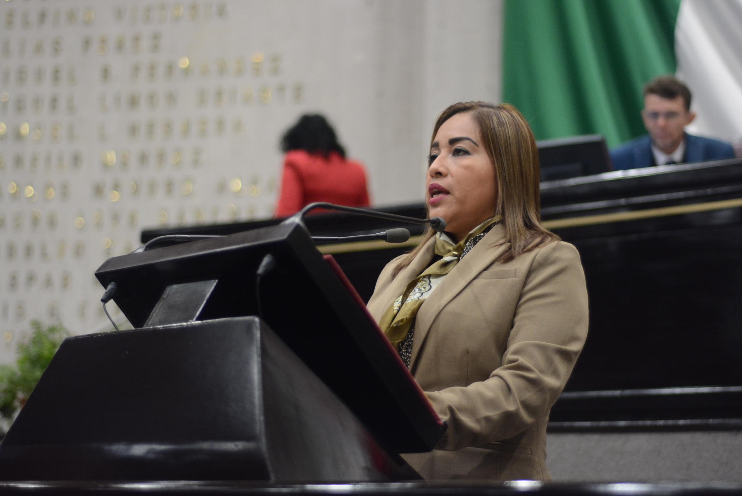 Plantea Janeth García profesionalización obligatoria para ejercer estudios de deporte