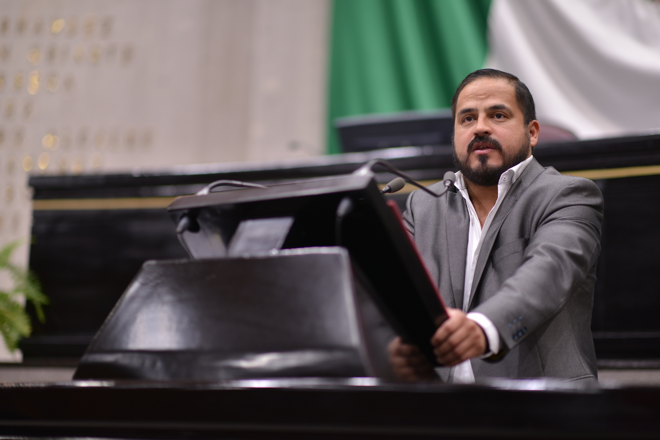 Ernesto Cuevas por el rescate financiero de los telebachilleratos de la entidad