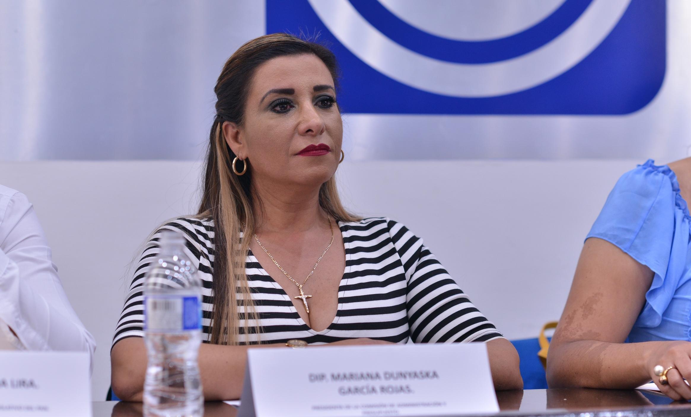 El Estado camina pese al desastre heredado por saqueadores: Mariana Dunyaska