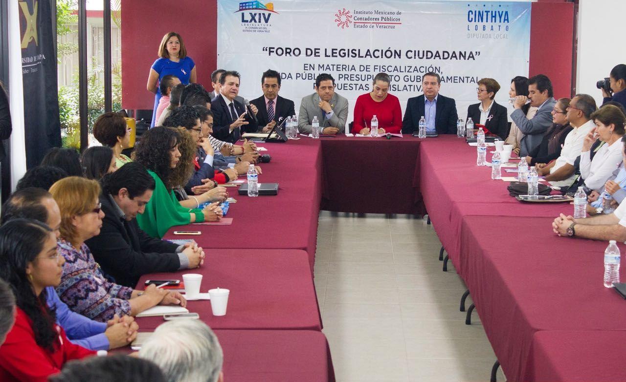Reconocen a Cinthya Lobato acercamiento con los ciudadanos a través de Foros legislativos