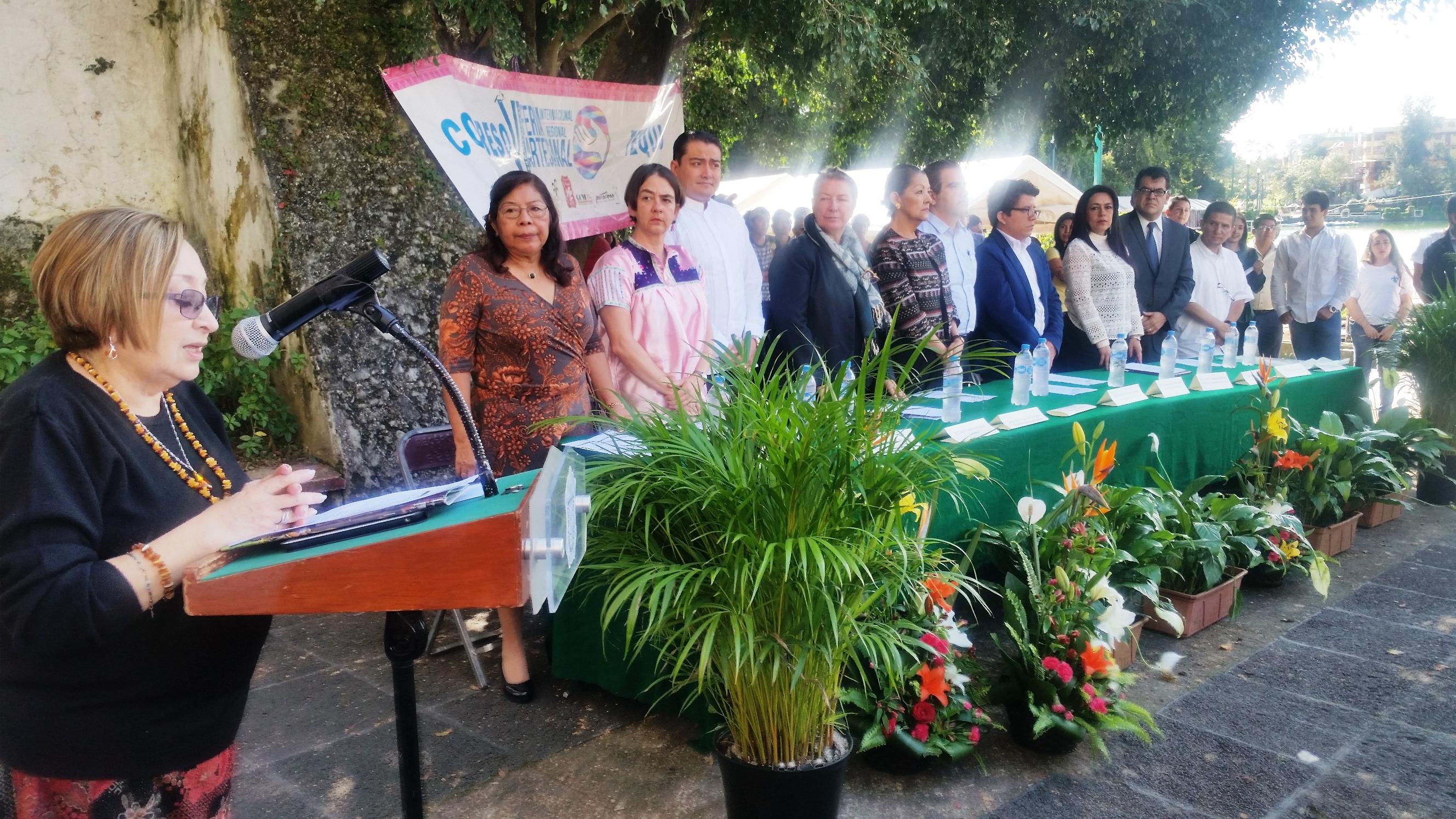 Asiste diputada María Adela Escamilla a la inauguración de la Feria Artesanal