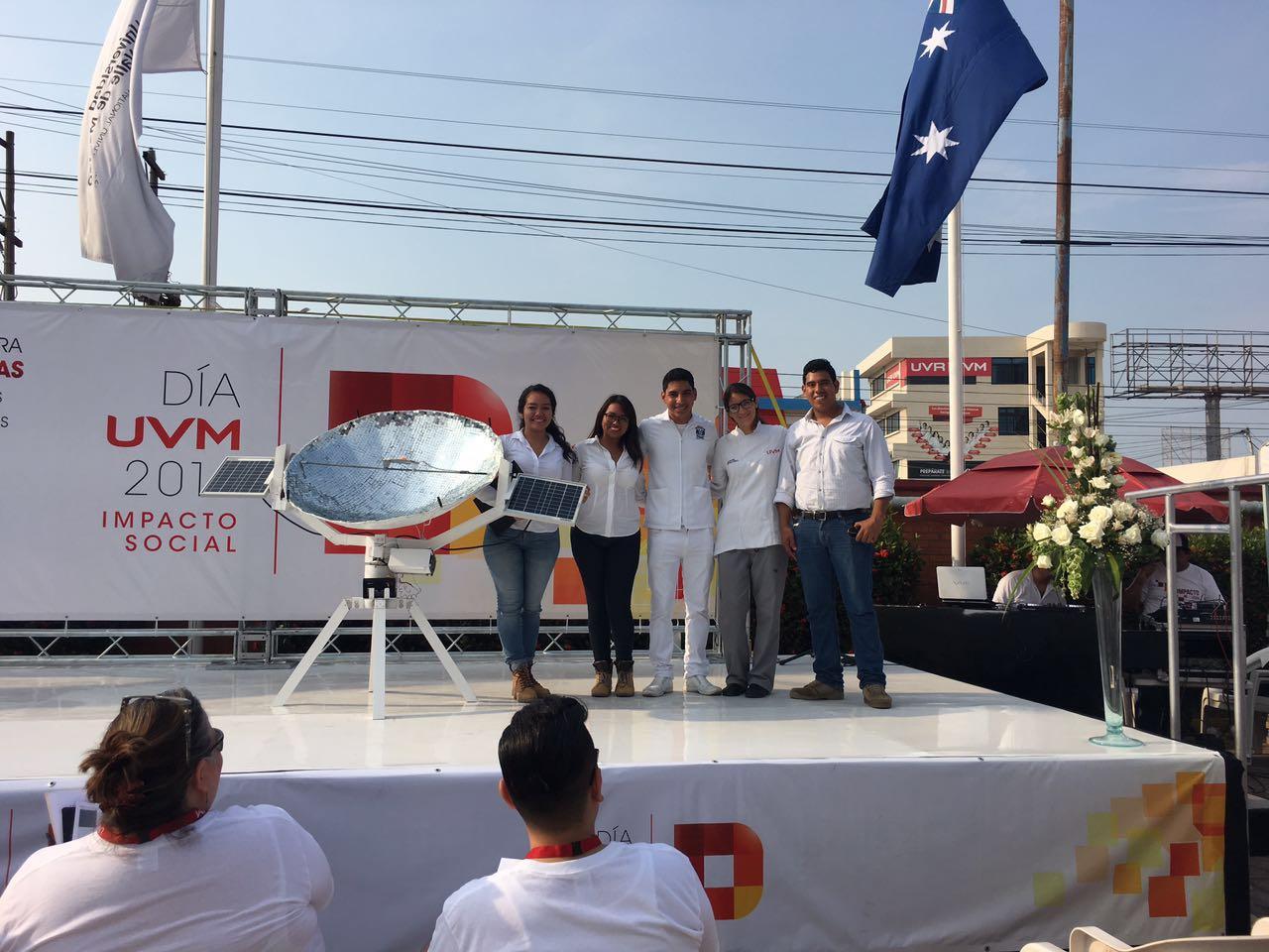 Alumnas de UVM Campus Veracruz crean Colector Solar Térmico
