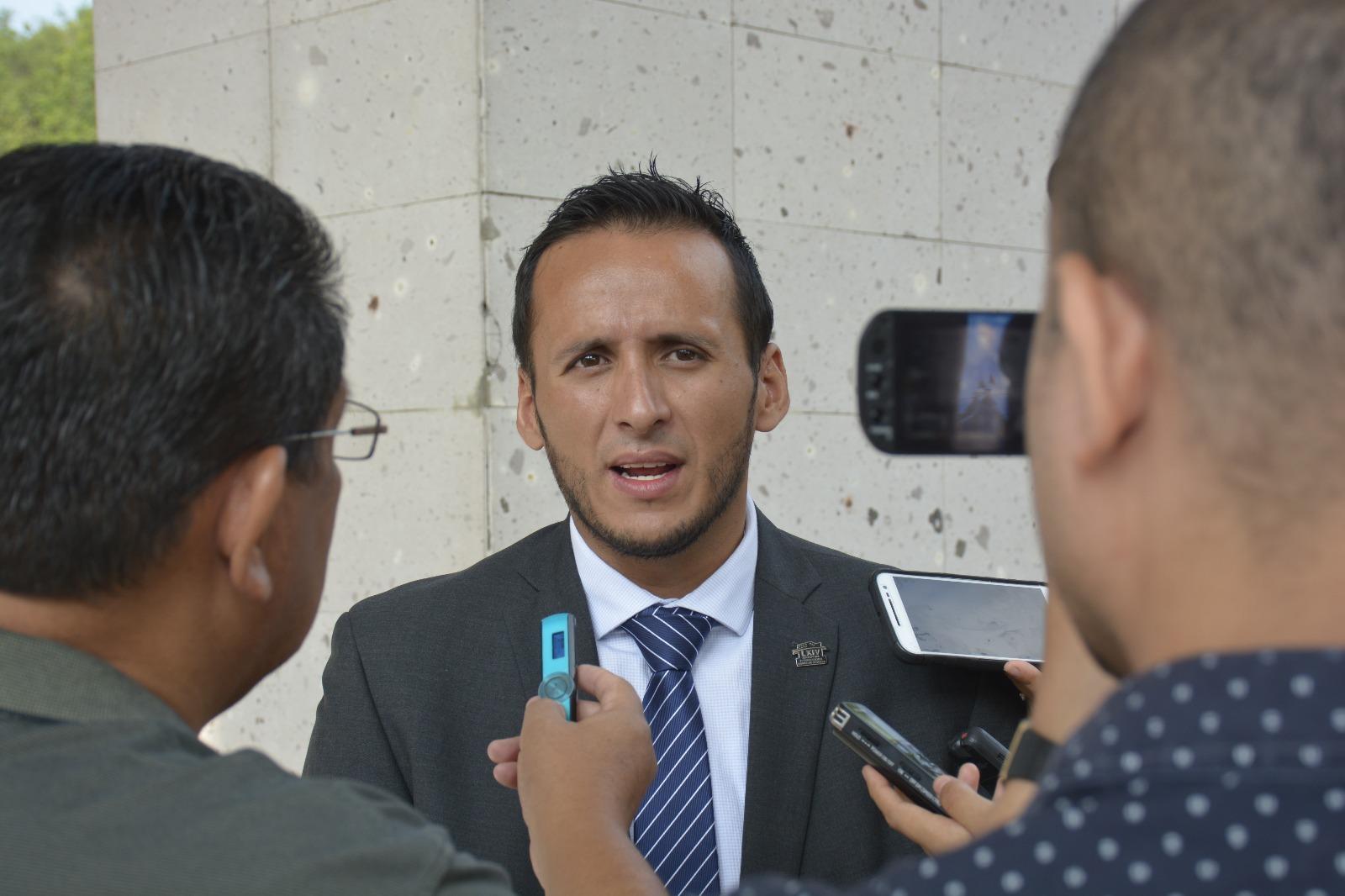 Diputado Sebastián Reyes se integra a la bancada del PAN