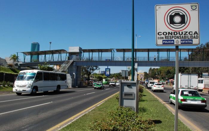 Yunes Linares anuncia el adiós a las fotomultas de Javier Duarte