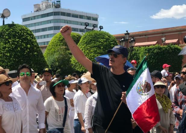 Hasta Vicente Fox participó en marcha contra López Obrador