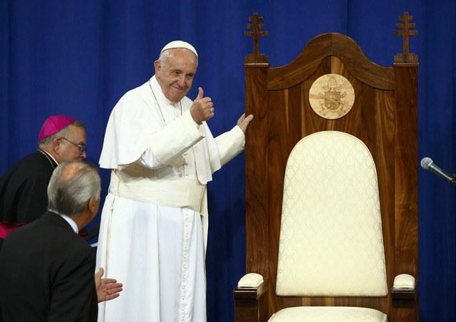 """Papa Francisco: """"error trágico"""" la legalización de bodas gay"""