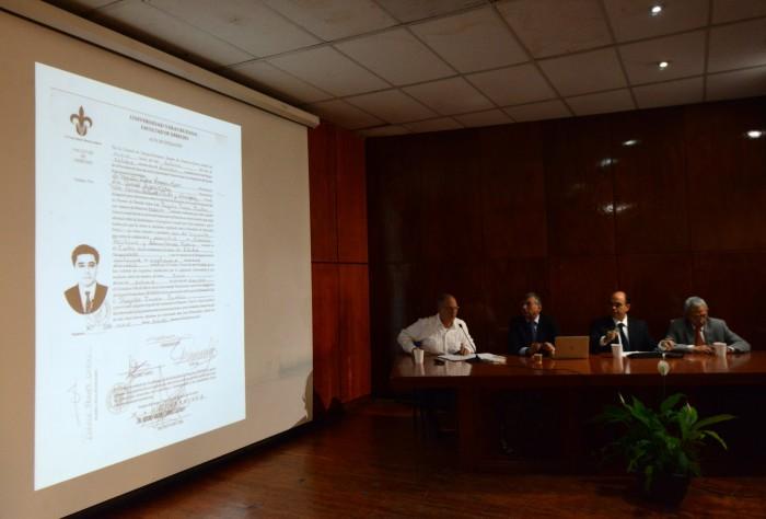 UV entregó en 48 horas título a Rogelio Franco