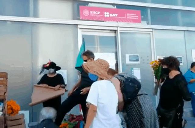FRENAA utiliza himno feminista en marcha conta AMLO, en Boca