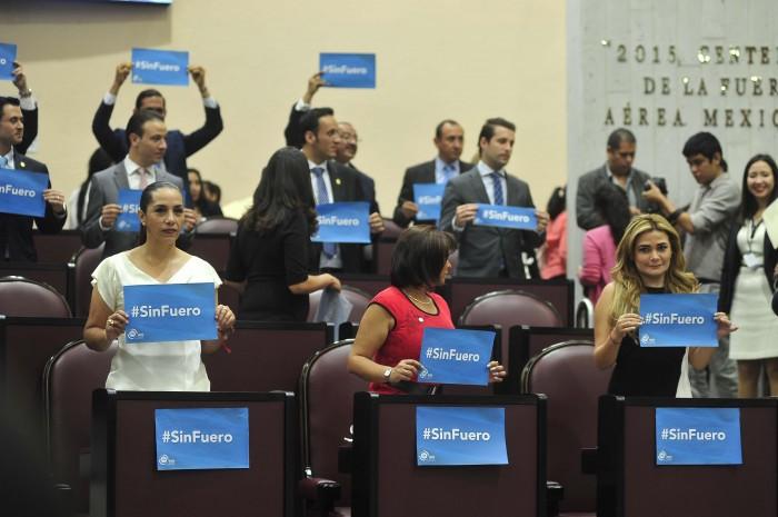 PAN presenta iniciativa para eliminar fuero, PRI y Morena la desechan
