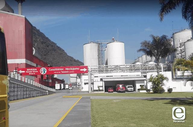 Fuga de amoniaco alarma a vecinos de cervecera en Orizaba