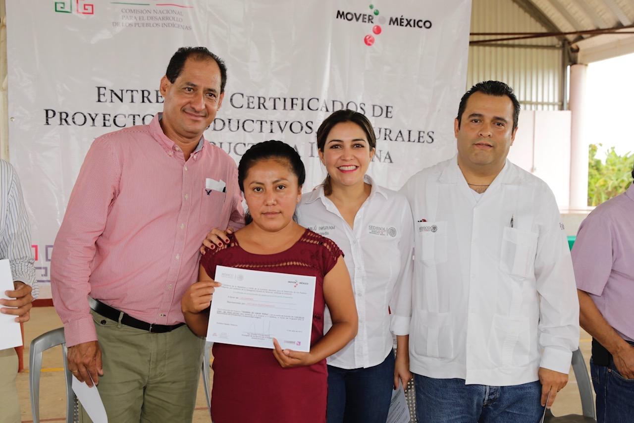Con acciones impulsamos el desarrollo de las comunidades indígenas en Veracruz: Anilú Ingram