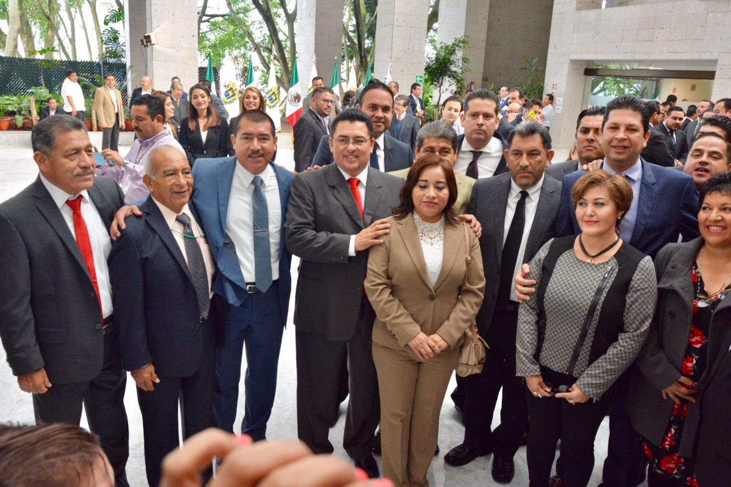 PRI, Morena y Juntos por Veracruz se inconforman por logística en toma de protesta del gobernador