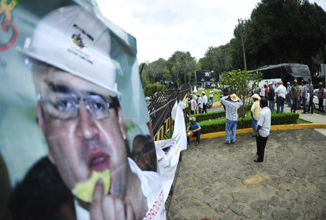 Piñeros protestan frente a Sefiplan; exigen pago de 100 mdp