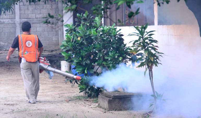 Ahora mueren 3 adultos mayores por dengue en Tuzamapan