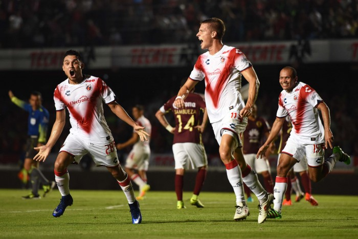 ¡Se va Furch de los Tiburones Rojos!, lo contrata Santos