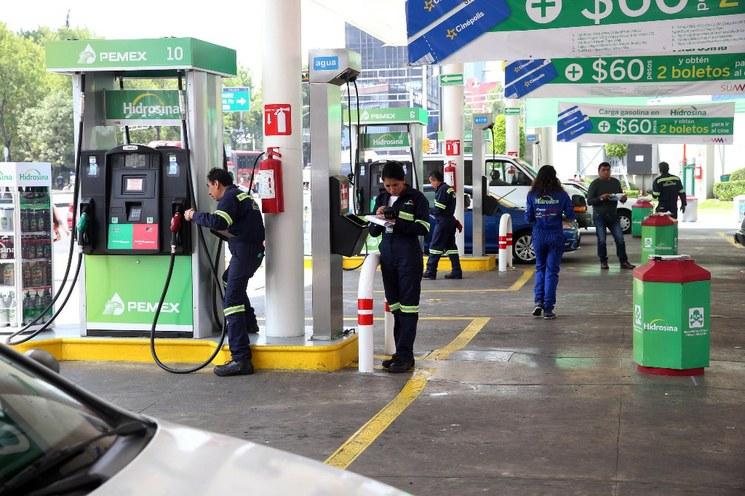 Suben gasolina, luz y diésel en septiembre, anuncia SHCP