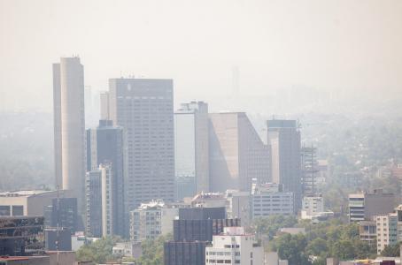 Con 150 puntos de ozono, cierre de industrias y de gasolineras