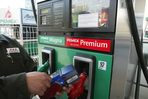 SHCP: los precios de gasolinas, más baratos que en otros países