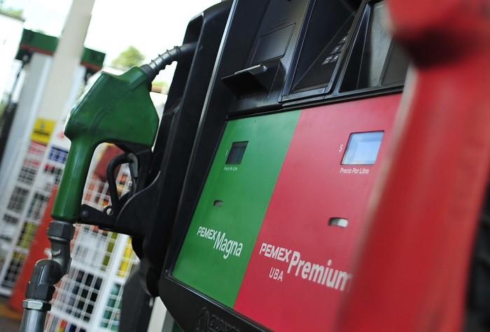 Gasolina Magna baja dos centavos este viernes