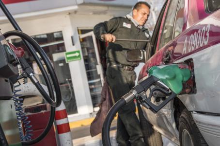 Sube impuesto a gasolina por tercera semana consecutiva