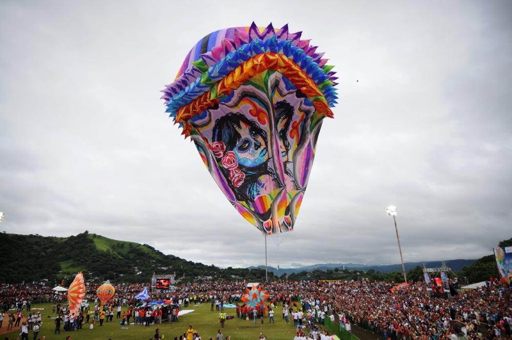 Más de 60 mil asistentes el primer Festival del Globo en San Andrés Tuxtla