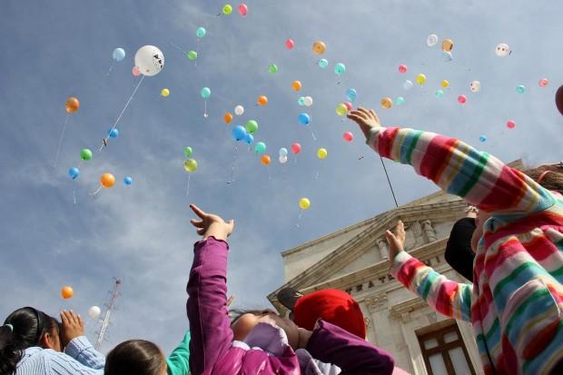 Mandar tu carta en globo a los Reyes, no es tan buena idea