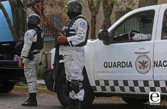 Habitantes de Medellín pelean con GN para evitar cortes de luz