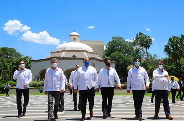 Gobernadores exigen la renuncia de Hugo López-Gatell