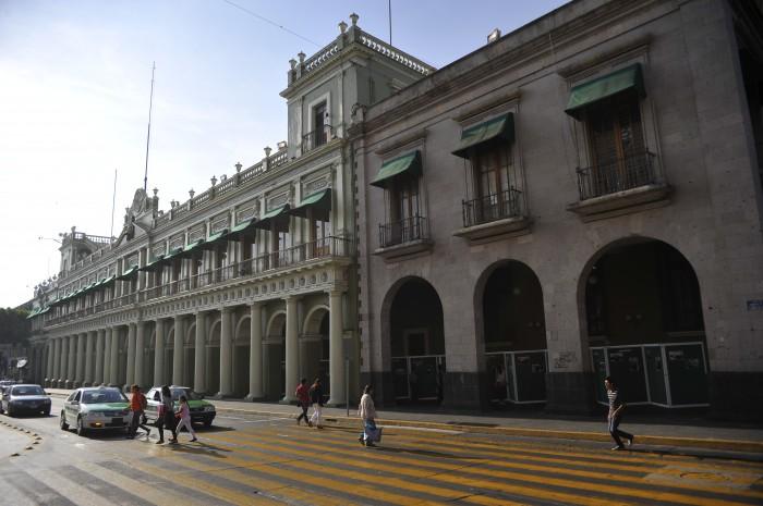 Gobierno de Yunes Linares podrá contratar créditos hasta por 13 mmdp