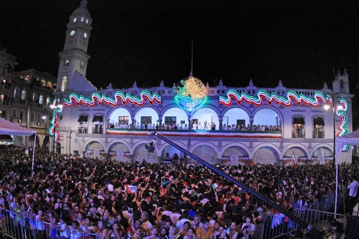 Cancelan brindis en Ayuntamiento de Veracruz en solidaridad con Oaxaca y Chiapas