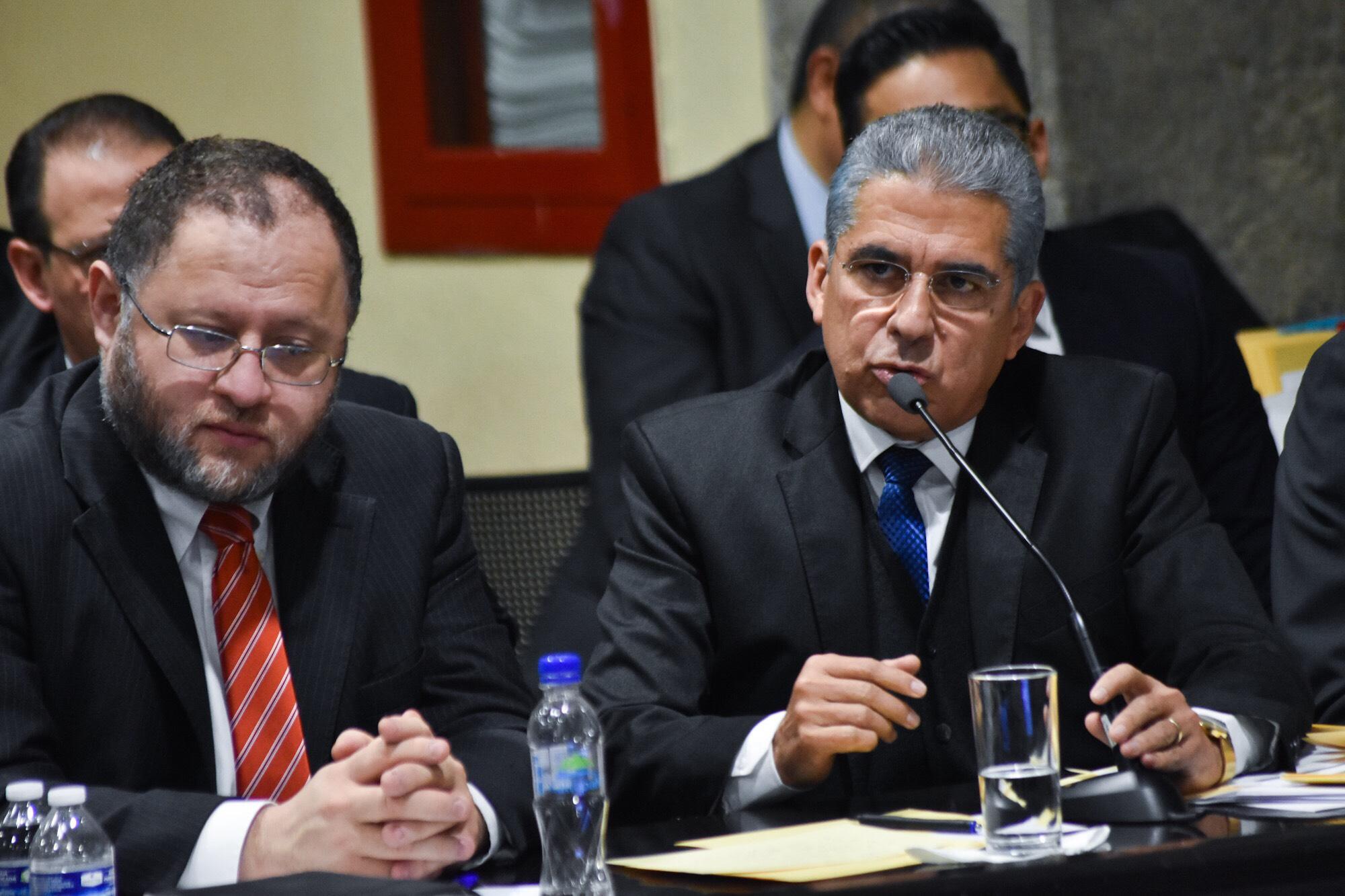 Chazzarini oculta cifras sobre deuda pública de Yunes