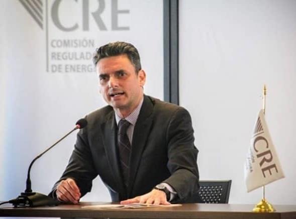 Guillermo García Alcocer renuncia a la CRE