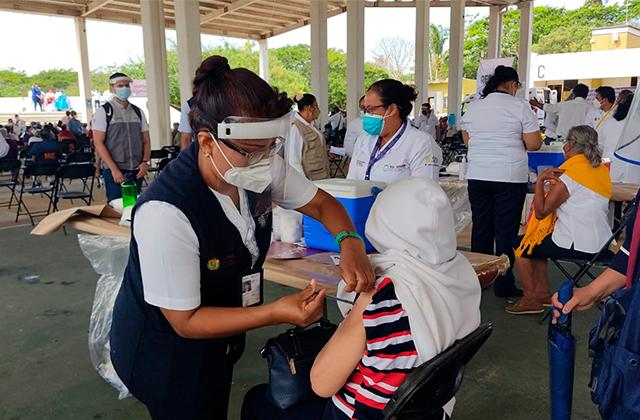 Habrá acceso especial para vacunación de embarazadas en Coatza