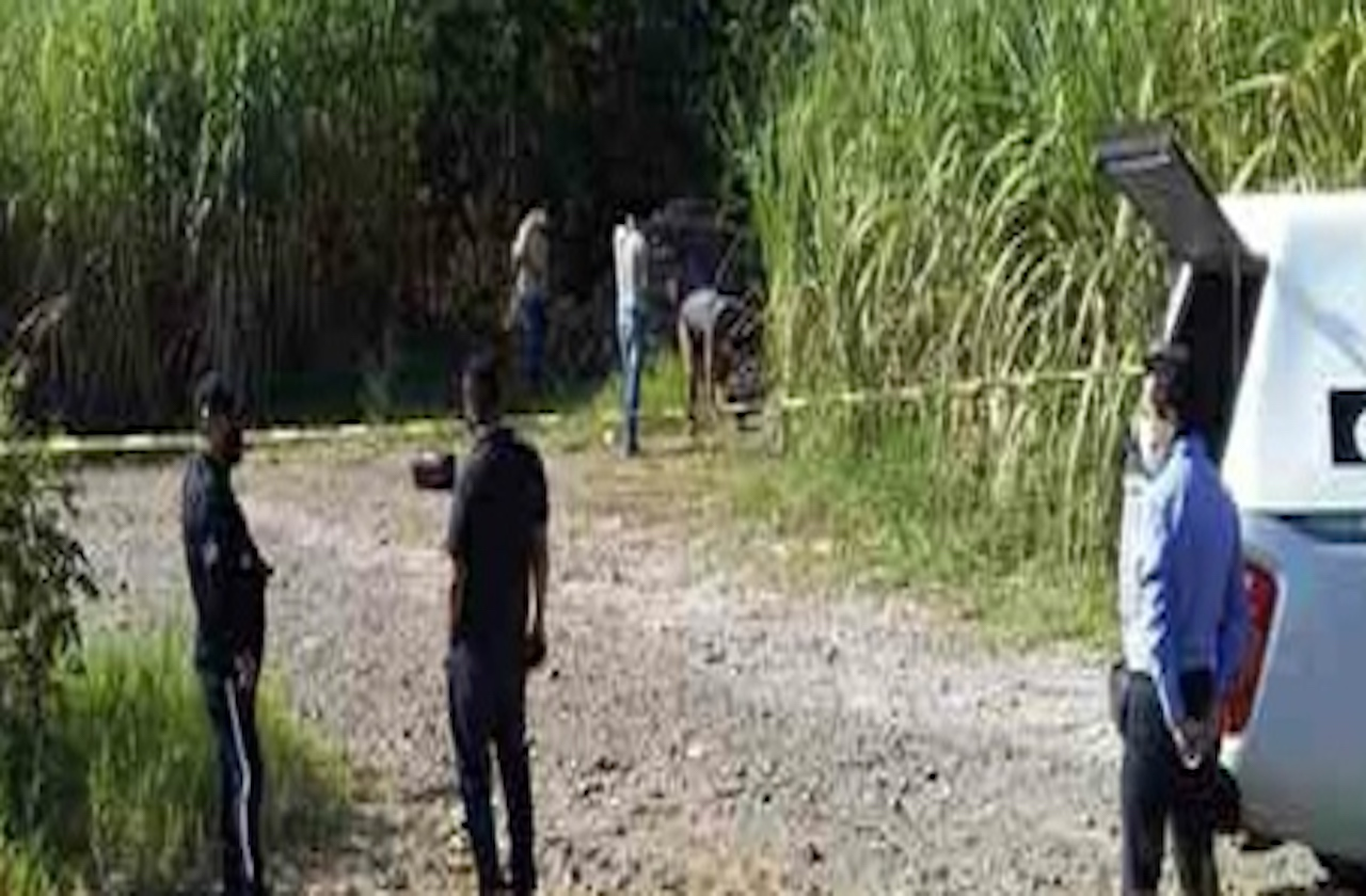 Hallan a hombre muerto en carretera hacia Xúchiles, en Omealca