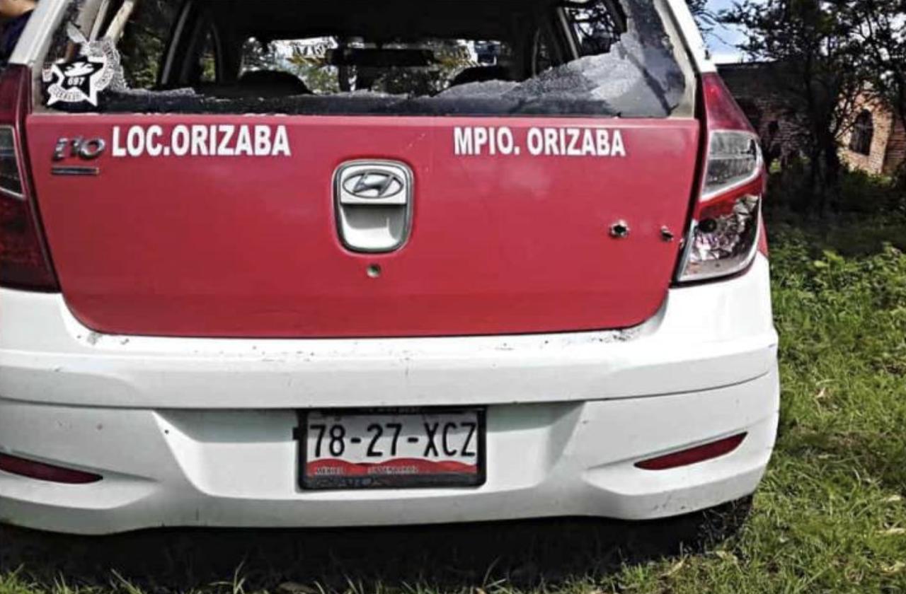 Hallan en Guanajuato taxi de Orizaba con 2 asesinados dentro